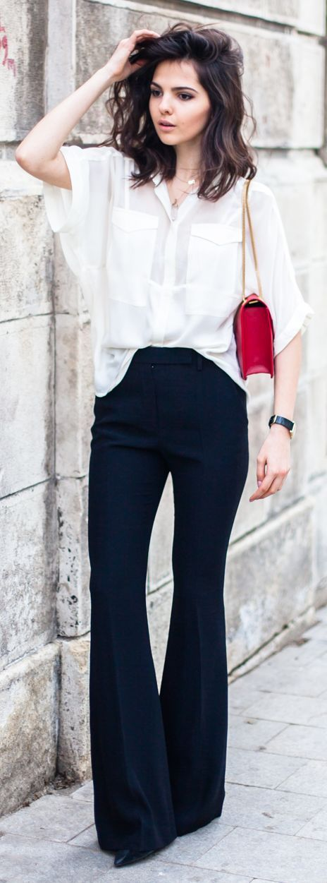 Black Crepe Flared Pants by The Golden Diamonds / baisc and stylish / informal work outfit / flare pants / calça de alfaiataria / marine / white shirt / red bag / chanel / look /ootd