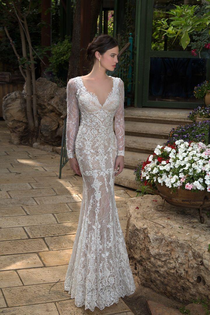 Mermaid wedding dresses with sleeves | itakeyou.co.uk #wedding #weddingdresses #weddingdress #weddinggown #mermaid #mermaidgown