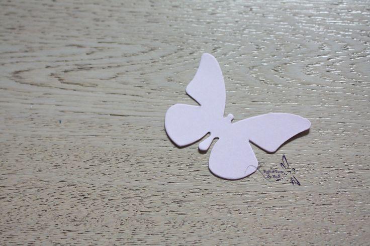 Decorazioni - 5 Farfalle in cartoncino - un prodotto unico di Sahbry82 su DaWanda
