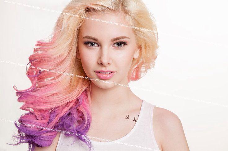 Розовое омбре. Блондинка. Прическа и макияж. Цветные волосы