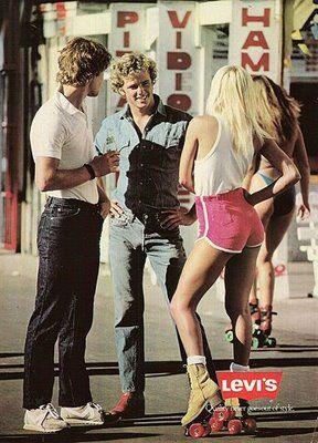 Levi's ad, 1979, avec des rollers montés sur des boots guardiannes !