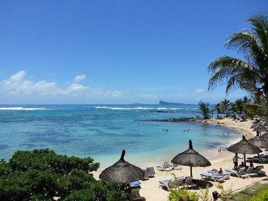 Beachcomber Le Canonnier Hotel, Mauritius : The Beach by (thierry f, avr. 2014)