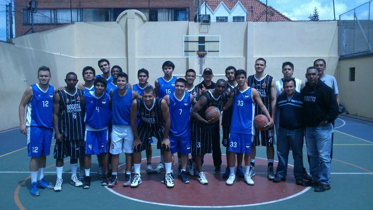 El encuentro deportivo tuvo lugar el pasado 22 de noviembre en la cancha de la Sede El Claustro.