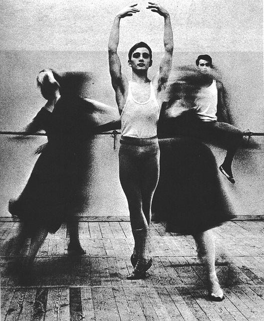 Esercizi alla scuola statale di balletto, by Herbert List,1966