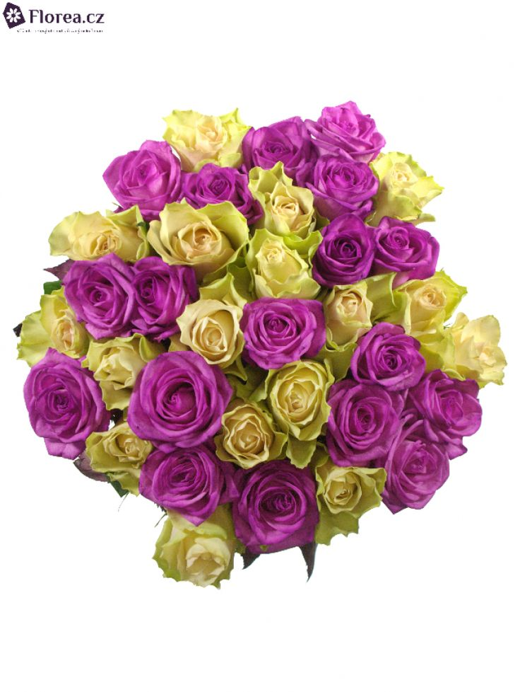 Míchaná kytice, barvené a nebarvené květy. Queen of flowers.