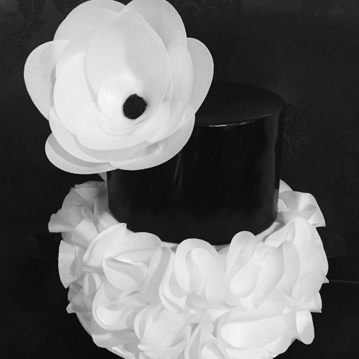Black and white ruffle cake