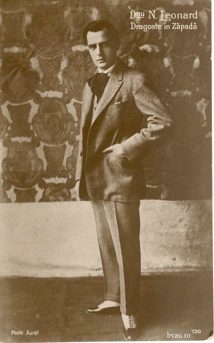 """Nae Leonard în """"Dragoste în zăpadă"""" de Ralph Banatzki, România, anul 1920. Imagine din colecţiile Bibliotecii Judeţene """"V.A. Urechia"""" Galaţi."""