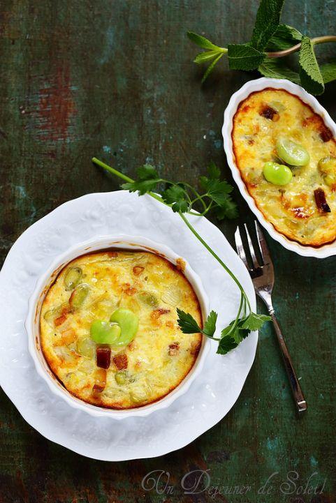Clafoutis fèves oignons nouveaux et guanciale (sans gluten) - Fava beans and onions clafoutis ©Edda Onorato