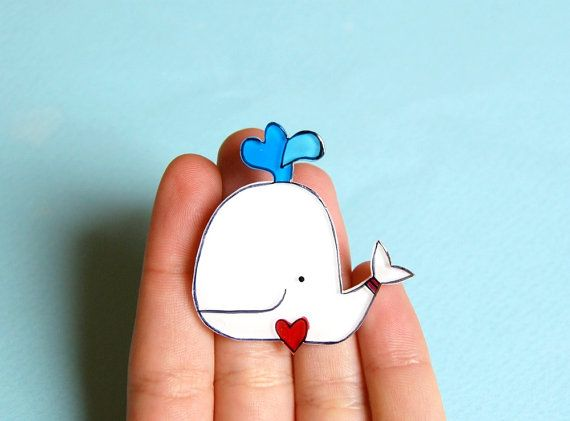 White whale brooch by lacravatteduchien on Etsy, €13.00