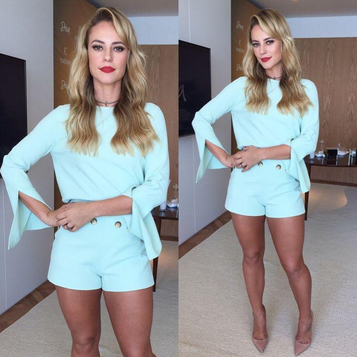 Styles and Fashion: Paola Oliveira