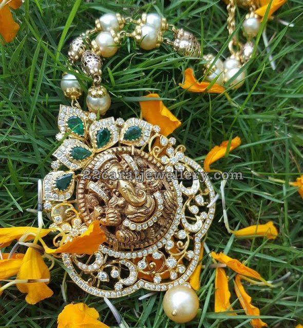 Ganesh Pendant by Tapadia Jewellers