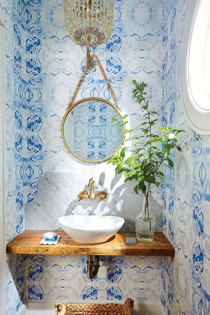 Lindsey Cheek Wilmington, NC Home Blue and White Powder Room