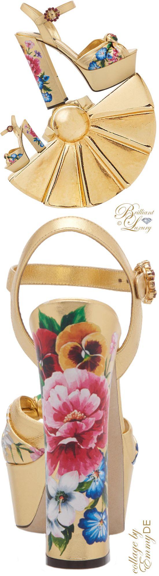 Brillianter Luxus ♦ Dolce & Gabbana – Goldene Keilsandalen mit Blumenmuster ~ Collage von Emmy …