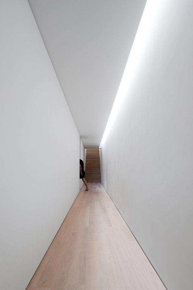 Concealed corridor lighting