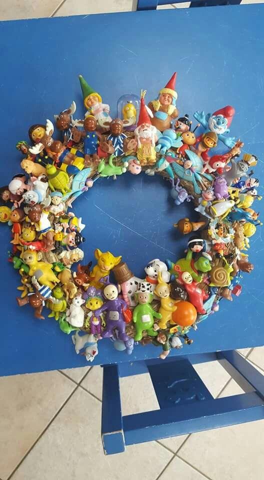 Speelgoedpoppetjes waar niet meer mee gespeeld wordt