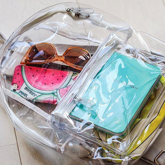 Obsessed with my @brandymelville_eu transparent backpack