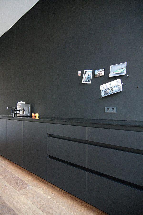 25 Inspiring Black Kitchens for Modern Home Design : Black Minimalist Kitchen Island Design