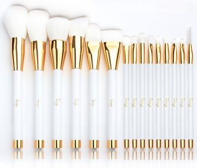 The best cheap makeup brush sets can make all the difference in having a glowing and beautiful face. Whatever you taste is, you cannot afford to go wrong...