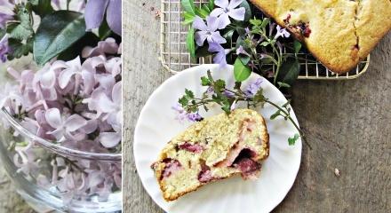 Breakfast cake, Strawberries and Breakfast on Pinterest