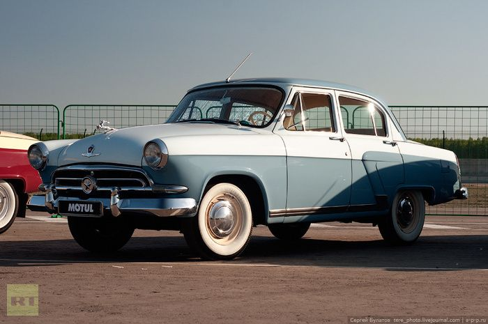 russian cars | Volga M-21 was stylistically in line with the major US manufacturers ...