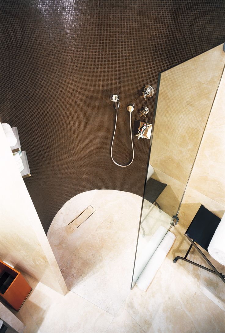 Vitreo 184 - Bulgari Hotel - Milan, Italy - #trend #mosaic #green
