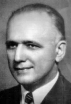Kerim Erim, Kerim Erim (1894 - 1952) İlk doktoralı Türk matematikçidir. Doktora derecesini 1919'da Almanya'nın Erlangen kentindeki Frederich-Alexanders Üniversitesi'nden aldı. Türkiye'de yüksek matematik öğretiminin yaygınlaşmasında ve çağdaş matematiğin yerleşmesinde etkin rol oynadı; mekaniğin matematik esaslara dayandırılmasına öncülük etti. Ülkemizde bir matematik doktorası yöneten ilk bilim adamı oldu. Devlet sanatçısı piyanist Gülsin Onay'ın dedesidir.