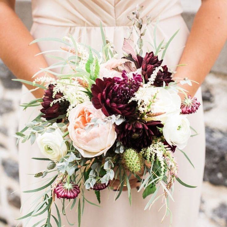 """Late summer wedding availability is plentiful both locally and the Dutch market! Look at all the varieties in this bouquet!  Thanks to my local farmers…"""