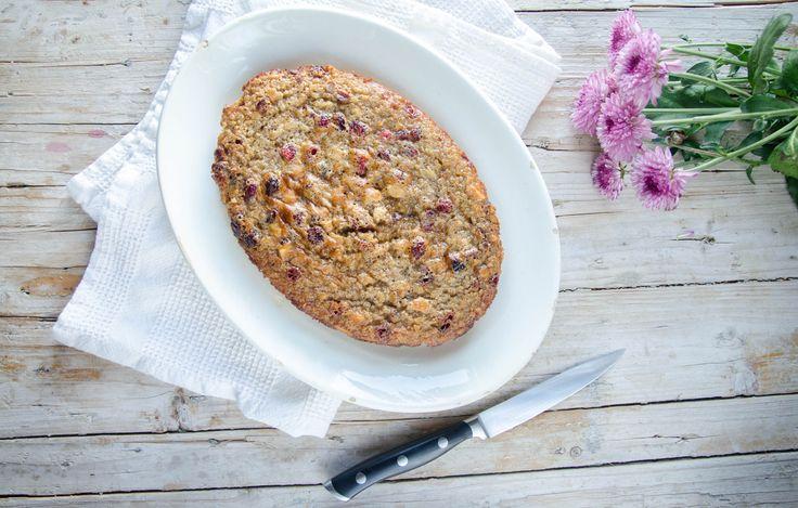 Bizcocho de quinoa, arándanos y canela, sin harinas ni lácteos