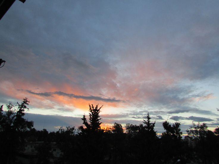 Kara bulutlara güle güle..Günaydın Antalya..