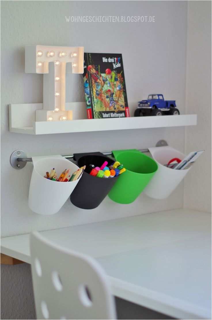 best 25 kid desk ideas on pinterest. Black Bedroom Furniture Sets. Home Design Ideas