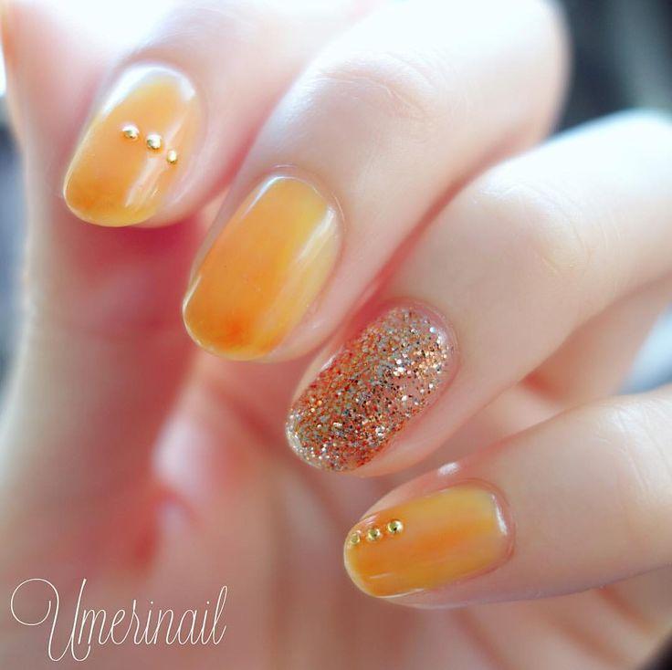 """・ 今日のネイルは 無性にイエローが使いたくって ⍤⃝ ジューシーな""""マーマレード""""をイメージしました*✧ ・ essieの #silkwatercolor シリーズを二色重ねてます。 イエローの上からオレンジをランダムに♡ トップコートはHK GIRLを3度塗りでウルウルに✨ ・ これからは凝ったネイルより お手軽ネイルを極めたいと思い�"""