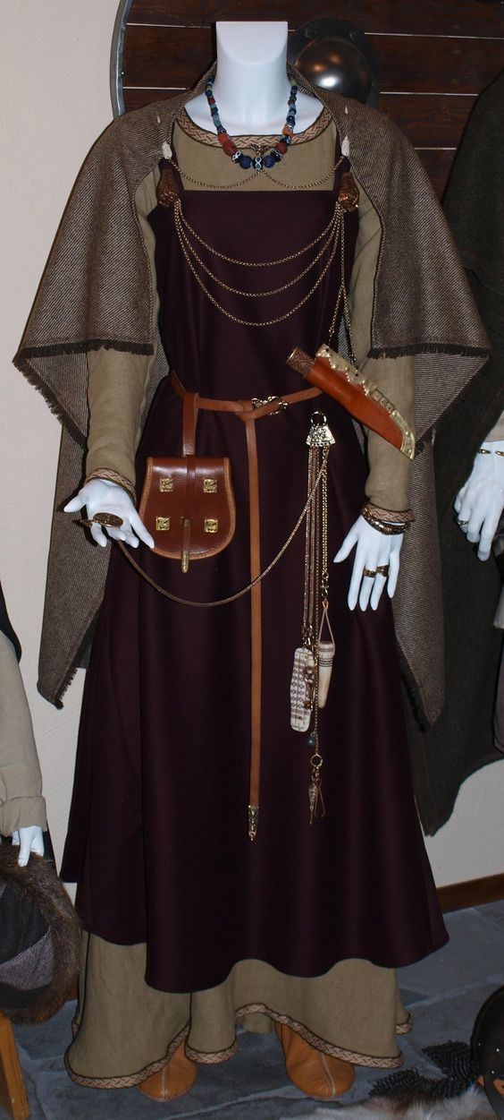 Original comment :Viking costume My comment : love the twill cloak using selveges and that every seam is not decorated,