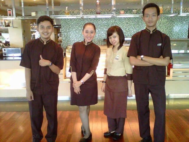 Grand Hotel Preanger #uniform #looks #good #casual #lol #brasserie