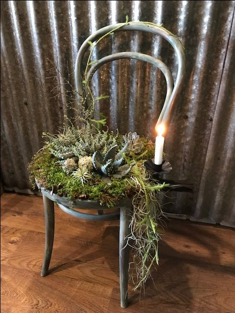 Mehikasvein koristeltu tuoli