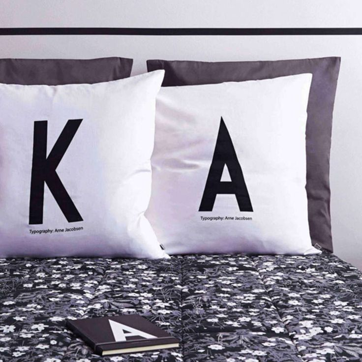 Design Letters personlig putetrekk 50x70cm