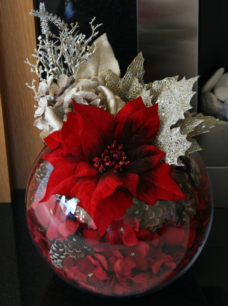 Our Stunning Christmas Poinsettia & Gold Rose and Hydrangea Fish Bowl ~ Christmas Love!