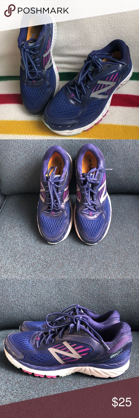 Low mileage New Balance 860v7 Running Shoes! Lightly worn New Balance sneakers with good lateral support. Purchased new and ran about 40 miles before deciding the fit wasn't for me. No dirt, no odor, just a good discount on some low mileage kicks! New Balance Shoes Sneakers