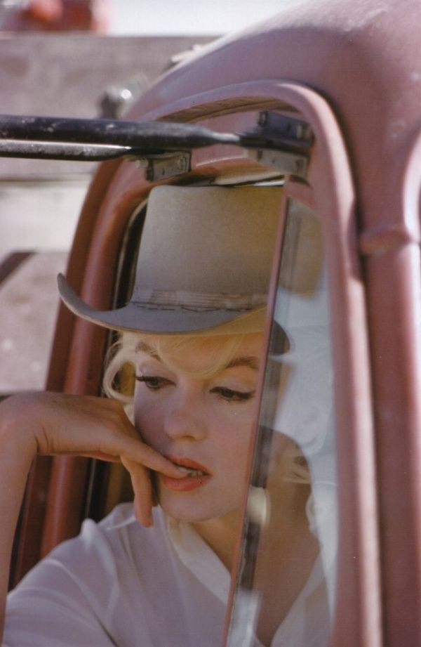 Marilyn Monroe, Nevada 1960  I've never seen this pic before but I love it.