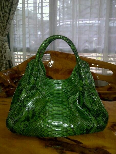 Handmade phyton skin bag. For more orders, Email : yuns2506@yahoo.com or whatsapp : +62 81317203406