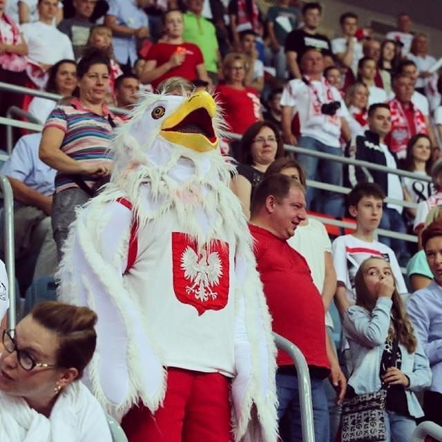 It was a loooong match! POLSKA -Argentyna 3:1!!! #worldleague2016 #orzełek #fans #support #people #kibice #najlepsikibicenaświecie #faith #nationalcolors #teamPoland #goPoland #Poland #polishteam #bialoczerwoni #polishnationalteam #volleyball #pallavolo #volleibol #voleibolista #sport #power #volleyballplayers #sportphotography #amateurphotography #photographer #photooftheday #canon #canonpolska #canon70d #teamcanon