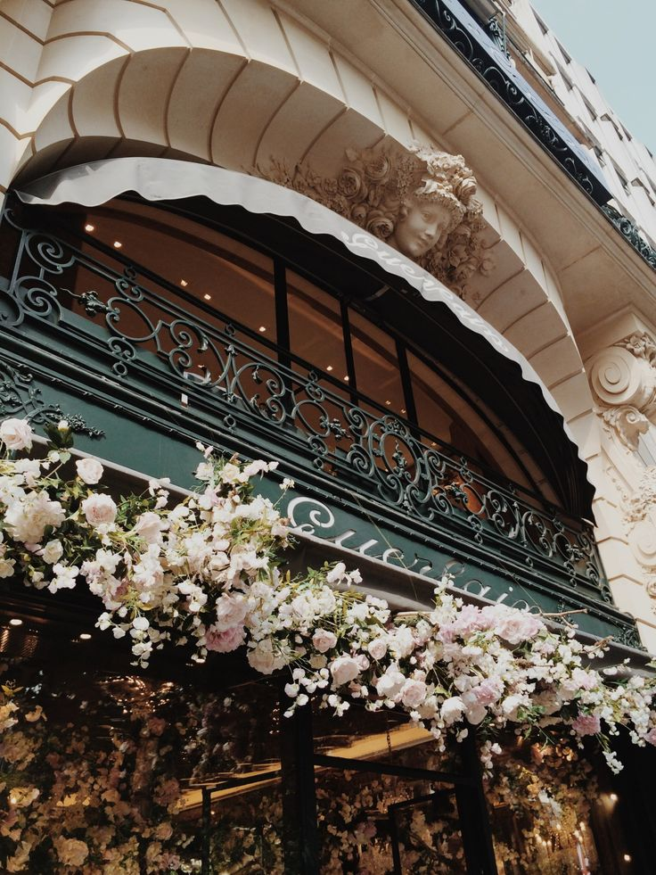 Guerlain, Paris. I CAN NOT believe I was in Paris to enjoy these flowers! Jon and I watched them put the flowers up!!