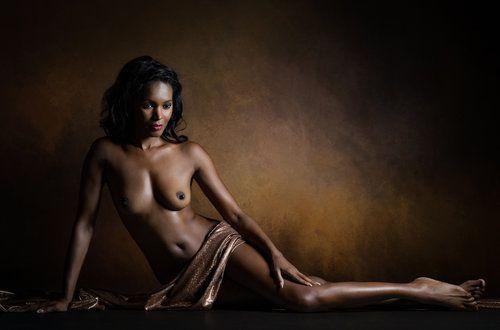 Aphrodite Melaina by Luc Stalmans