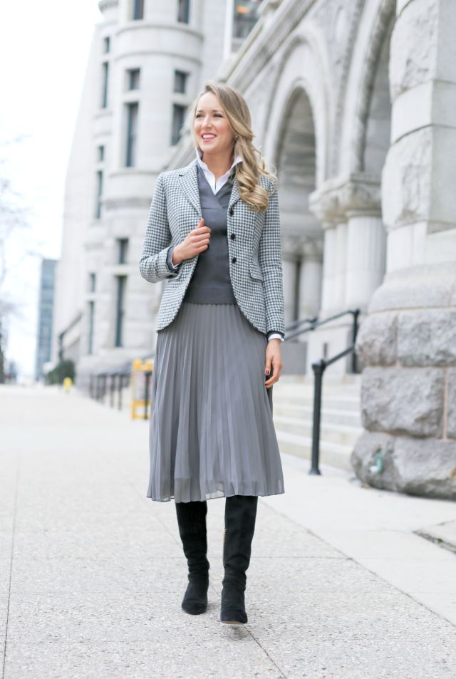 grey houndstooth blazer shawl collar sweater and pleated