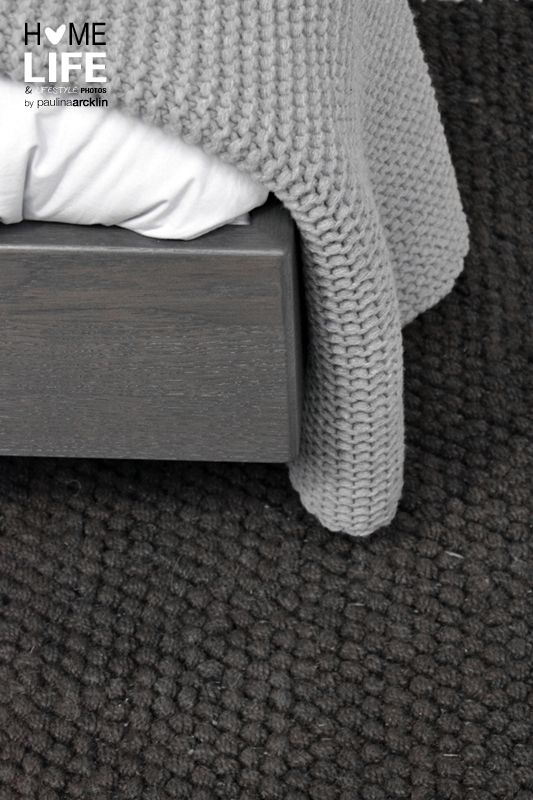 Carpet in darker tones (photo and styling by Paulina Arcklin)