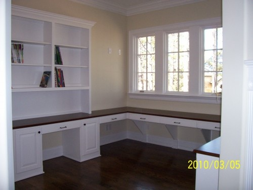counter/desktop all around the roomSewing Room, Offices Crafts, Crafts Room Design, Room Ideas, Offices Ideas, Home Offices Design, Traditional Home Offices, Traditional Homes, Craft Rooms