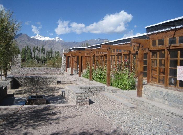 Druk White Lotus School, India Architect: Arup Associates The Emirates Glass LEAF Awards 2012 Best Sustainable Development