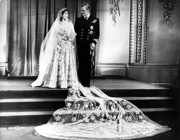 20th November 1947:  Princess Elizabeth, and The Prince Philip, Duke of Edinburgh at Buckingham Palace after their wedding.  (Photo by Hulton Archive/Getty Images) via @AOL_Lifestyle Read more: http://www.aol.com/article/news/2017/01/01/queen-90-misses-new-year-church-service-due-to-heavy-cold/21645308/?a_dgi=aolshare_pinterest#fullscreen