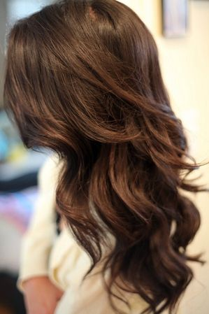 We love this beautiful brown and flowing curls!