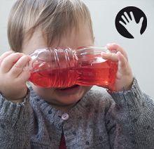 Bouteilles colorées - Nido   7-8 mois