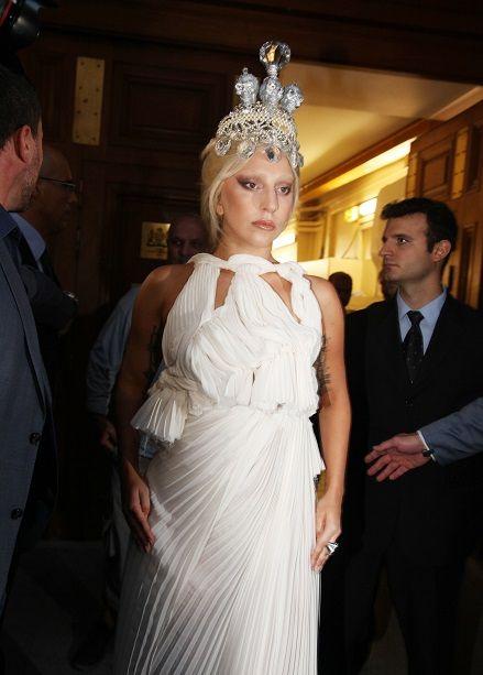 Lady Gaga ATHENS GREECE:  http://joytv.gr/lady-gaga-%CF%8C%CF%83%CE%BF-%CE%AD%CE%B3%CE%B9%CE%BD%CE%B1%CE%BD-%CF%83%CF%84%CE%B7-%CF%83%CF%85%CE%BD%CE%B1%CF%85%CE%BB%CE%AF%CE%B1-%CF%84%CE%B7%CF%82-%CF%83%CF%84%CE%B7%CE%BD-%CE%B1%CE%B8%CE%AE/#gallery3